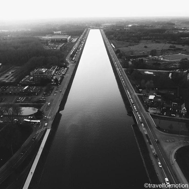 #watersportbaan #blackandwhite #blackandwhitephotography #aerialphotography #water #vsco #vscocam #gent #ghent #visitgent #ghentcity #flanders #visitflanders #belgium #igbelgium #landscape #wanderlust #travelgram #travel #abstract