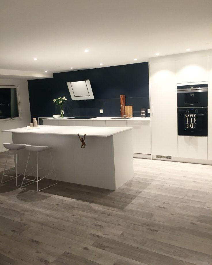 My kitchen #Senti by KVIK | Feel free to follow me on #instagram @frutanem #mypic #kitchen #sentibykvik #minimalism