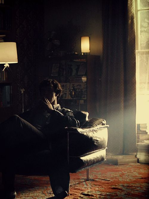 Ahhhhhh!!!! I cannot even EXPRESS to you how much I love this man and this show!!! Sherlock, Sherlock, Sherlock!!!