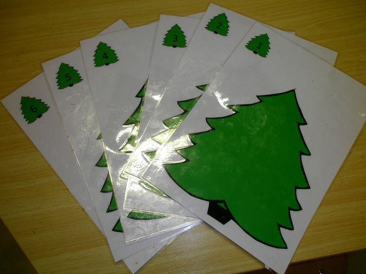 kleikaarten: in de kleine kerstboom in het hoekje staat een cijfer, zoveel versiering mag je in de boom hangen *liestr*