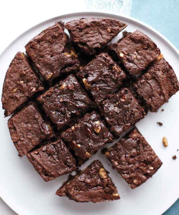 Think beyond stews: Uncover the sweet side of your slow cooker with these crowd-pleasing brownies. INGREDIENTS Nonstick cooking spray 1 1/4 cups all-purpose flour (spooned and leveled) 1/4 cup unsweetened cocoa powder 3/4 teaspoon baking powder 1/2 teaspoon coarse salt…