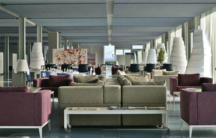 Lounge #theoitavos , @ the comfort of an elegantly transparent interior