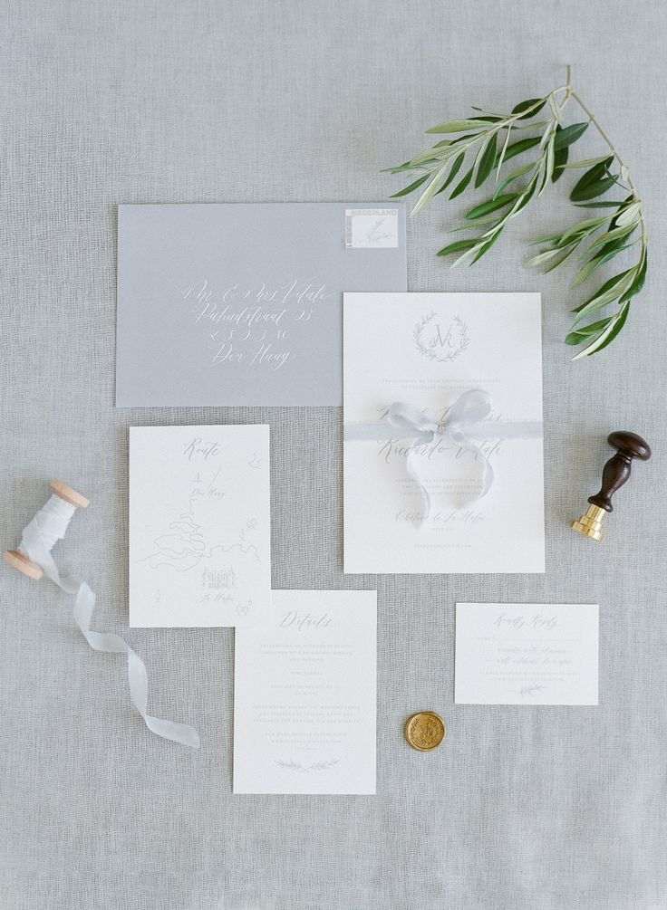 Gray wedding invitation suite | Photography: Alexandra Vonk - http://www.alexandravonk.com/ Assistant: Moniek Van Gil - http://moniekvangils.nl/
