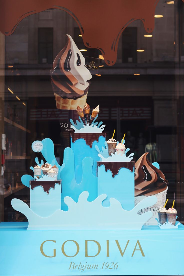 """GODIVA, Regent Street, London, UK, """"Seven days without Chocolate makes one weak"""", creative by STYLO, pinned by Ton van der Veer"""