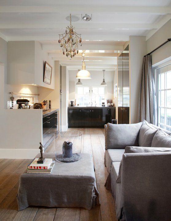 https://i.pinimg.com/736x/ff/98/ba/ff98ba6e3b56bd93ce1843290fde680b--design-living-room-living-spaces.jpg