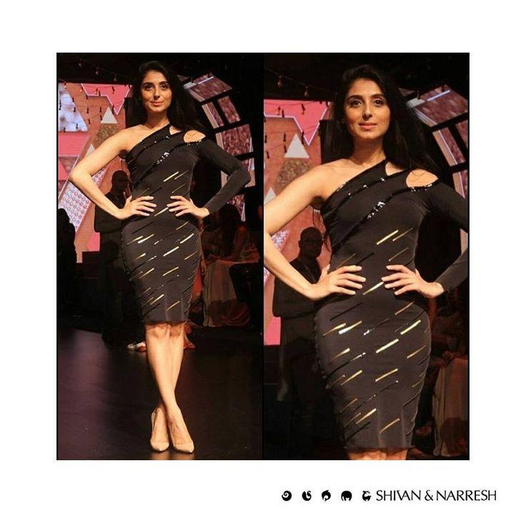 Pernia Qureshi looking gorgeous in a Black #LégerLeisure Dress with Leather Details at #LakmeFashionWeek | #Fashion #LBD #BlackDress #ShivanAndNarresh #Cruise #PerniaQureshi #CelebStyle