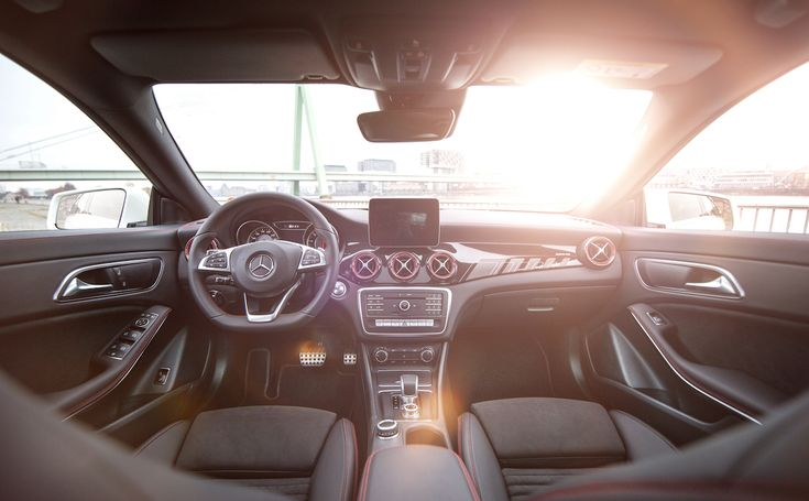 En weekend-solopgang i en Mercedes-AMG CLA 45? Ja, tak. 🙌  🌅  #MBPhotoCredit: Thomas Rauhut  #MBSocialCar