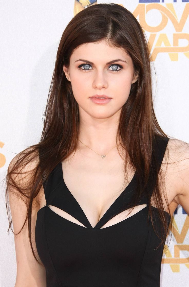 Alexandra Daddario as Felurian?? (The Kingkiller Chronicles)