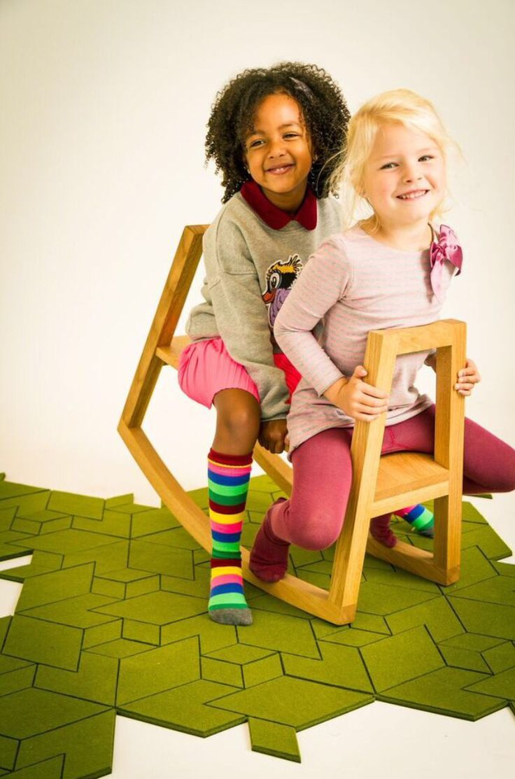 Cityscapes design carpet & rocking bench for kids!