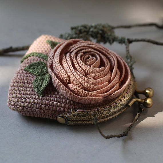 Crochet frame coin purse in vintage style, dusty pink change pouch decorated wit…
