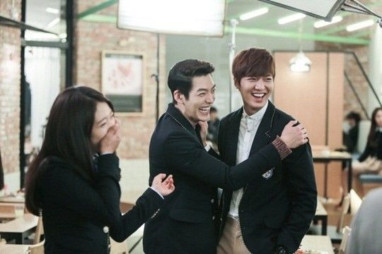 This is too cute! #Heirs behind the scenes