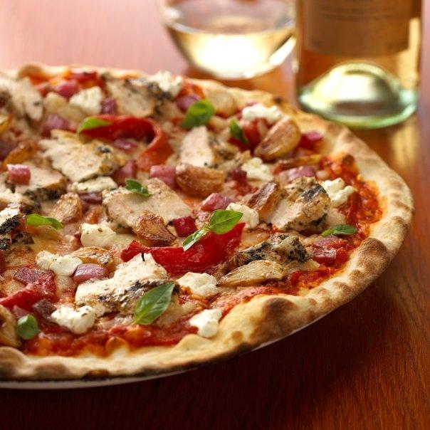 Just like Mama's- Alice Fazoolis Chicken Pizza #chicken #food #pizza #SavourtheSeason #squareoneshoppingcentre