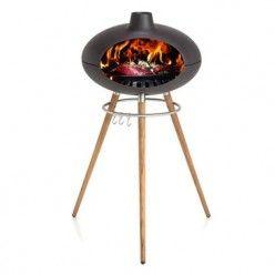 Barbecue à bois grill forno - il est multifonctions.    Il sert de four à pizza, de four à pain, de barbecue et de grill.    Équipement - une cheminée extérieure,  - un fumoir,  - une cuve en fonte,  - 3 pieds en teck,  - porte ustensiles