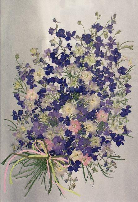 押し花で作られた花束