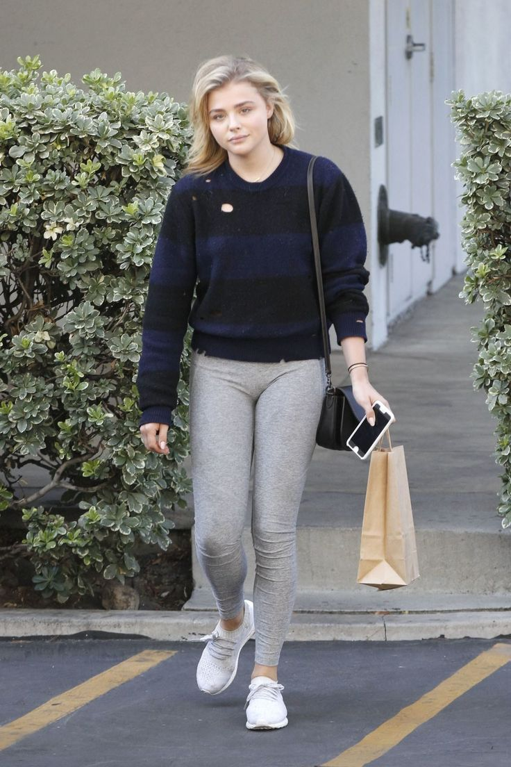 Chloe Grace Moretz Stills Leaves a Dentist's Office in Tarzana http://www.celebskart.com/chloe-grace-moretz-stills-leaves-a-dentists-office-in-tarzana/  #ChloeGraceMoretz #Dentist #Tarzana #Celebskart