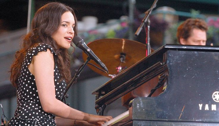"Norah Jones Covers The Grateful Dead's ""Ripple"" For The Second Time Ever In St. Louis [Video]"