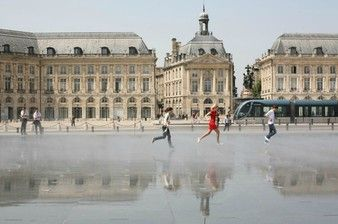 Bordeaux top things to do - Water Mirror - Copyright  Bordeaux Tourism