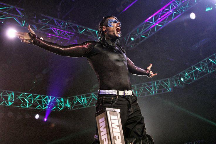 Según indica el sitioWrestlingNewsWorld.com,en su sección premium,Triple H estaría interesado en realizar uno de los regresos más esperados por la fanaticada de WWE