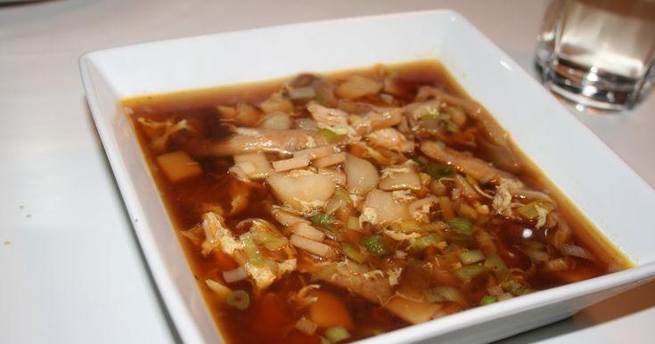 Min kæreste ELSKER suppe - især pekingsuppe. Derfor synes vi at vi ville lave den fra bunden selv. Det gik nu ganske godt og suppen smagte g...