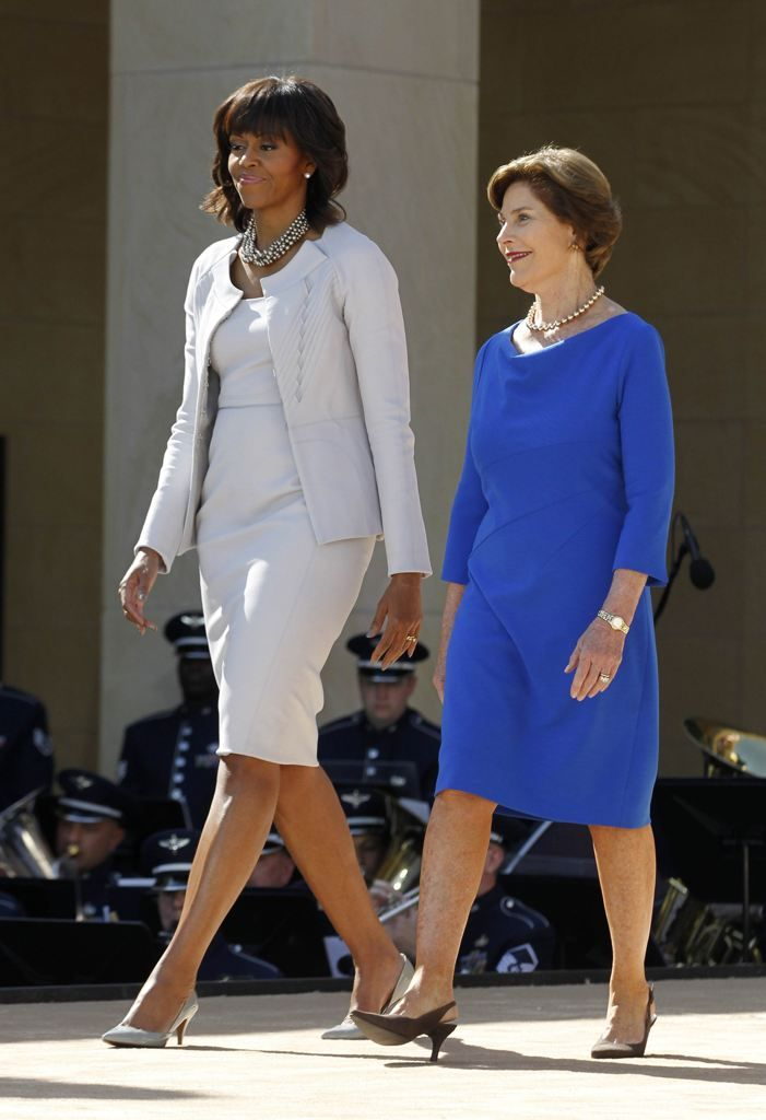 Michelle Obama and Laura Bush arrive at dedication ceremony for George W. Bush Presidential Center in Dallas | View photo - Yahoo! News