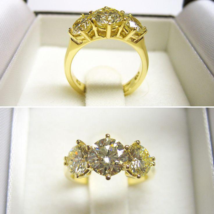 #diamondring #brilliantcut #diamonds #yellowgold #3stonesolitaire #clawsetting #engagement #engagementring #ring #jewellery #handmadejewellery #shesaidyes #ido #wedding #blackroom #greenpoint #capetown #capetownjewellery #southafrica