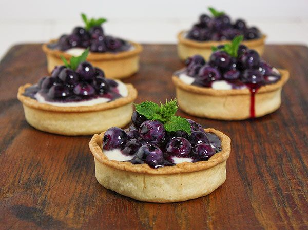 Mini Blueberry-Mascarpone Tarts
