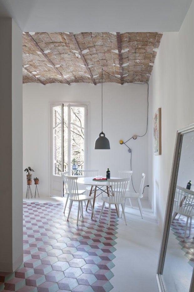 Apartamento colorido em Barcelona (Foto: Roberto Ruiz / divulgação)