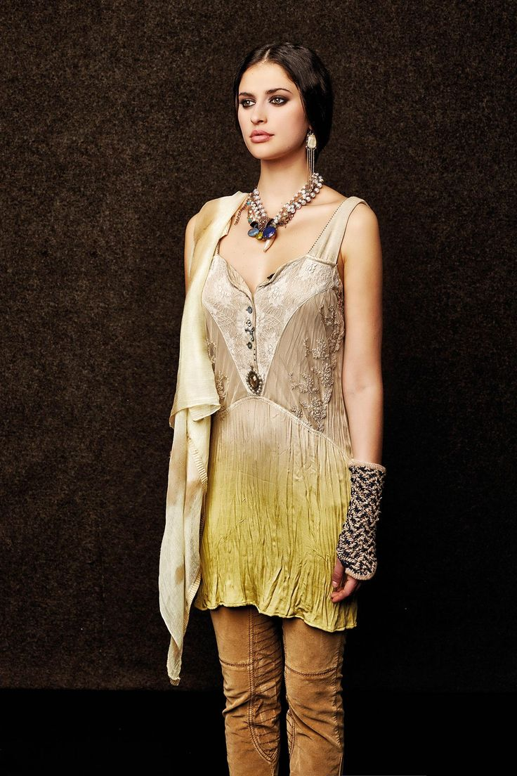 #danieladallavalle #collection #elisacavaletti #fw15 #sand #yellow #dress #necklace