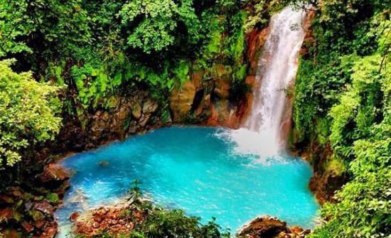 Time to escape! La Fortuna, Rio Celeste, Bajos del Toro, Nauyaca Waterfalls are the perfect hideaways in Costa Rica.