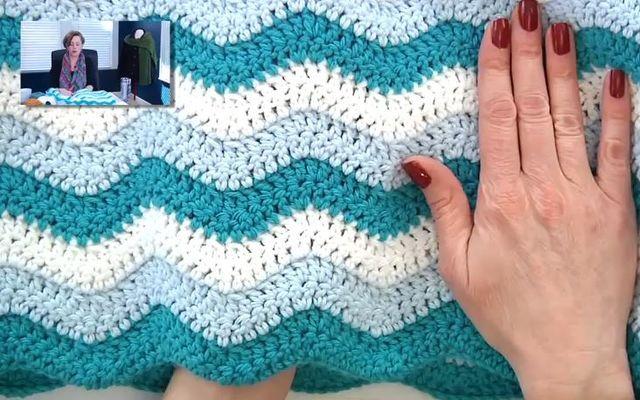 Hekle et nydelig teppe i bølgemønster, perfekt for nybegynneren.