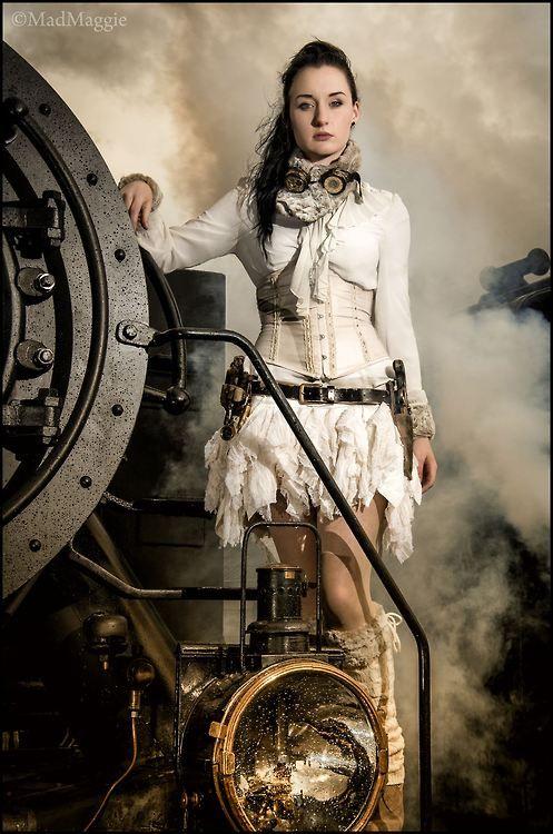 Photography: Martin Heeren https://www.facebook.com/photofunModel: www.facebook.com/MadMaggiePFP #SteamPUNK ☮k☮