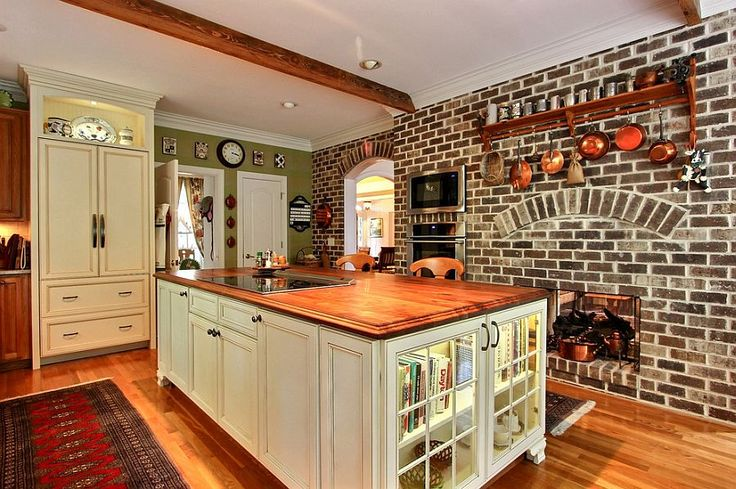 Color of the bricks gives the kitchen a beautiful, traditional style | Kitchen Inspiration | www.homeology.co.za