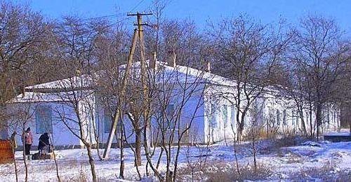 Пациентов психбольницы в Ленинском районе распустят по домам http://www.newc.info/news/21335/  Психиатрическая больница в селе Костырино Ленинского района будет оптимизирована. Причина этого – ненадлежащие санитарные условия.