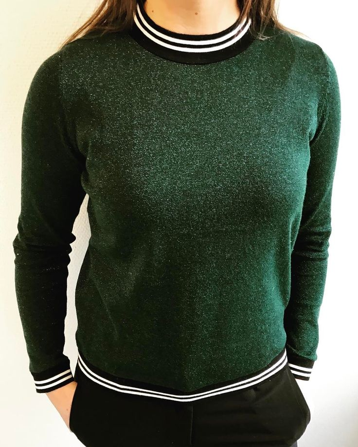 Glitter your day up ✨✨ #free #knit #blouse #green #399dkk #glitter #fashion #trend #sporty #looking #striber #outfit #instafashion #nocollection #stylesonly #stylesinseason #neonoir #✨