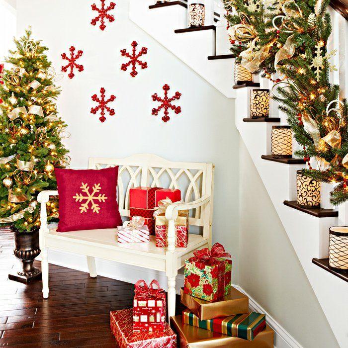 weihnachtsdeko ideen flur treppen dekoideen kerzen geschenke tannenbaum - Weihnachtsdeko Ideen