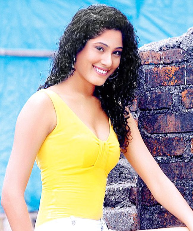 Cid Actress Shraddha Musale S Hairy Tales Style