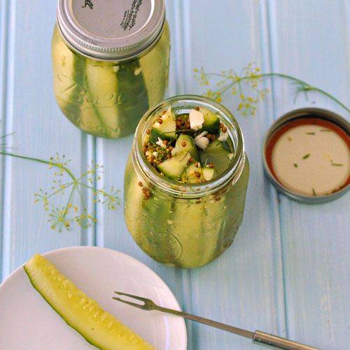 #DIY Refrigerator Dill Pickles ~ So easy and delicious, you'll never go back to store brand!