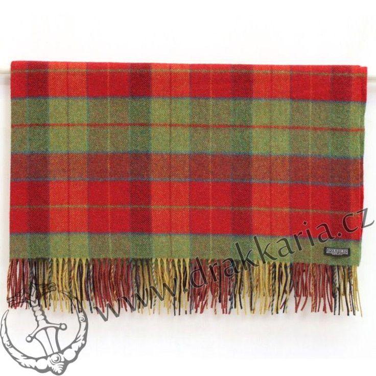 Velmi kvalitní deka z jehněčí vlny - kolekce Heritage. Předností této deky je její schopnost udržet teplo, vysoká gramáž a hrubší struktura. Nespornou výhodou oproti jiným dekám je vyšší obsah lanolinu ve vlně u ovcí z Irska a Skotska, a to především kvůli četným srážkám na ostrovech.Inspirace irskou krajinou. Typ vlny: Lambswool / jehněčí vlna Rozměry: 147 x 179 cm Přímý dovoz: Drakkaria.