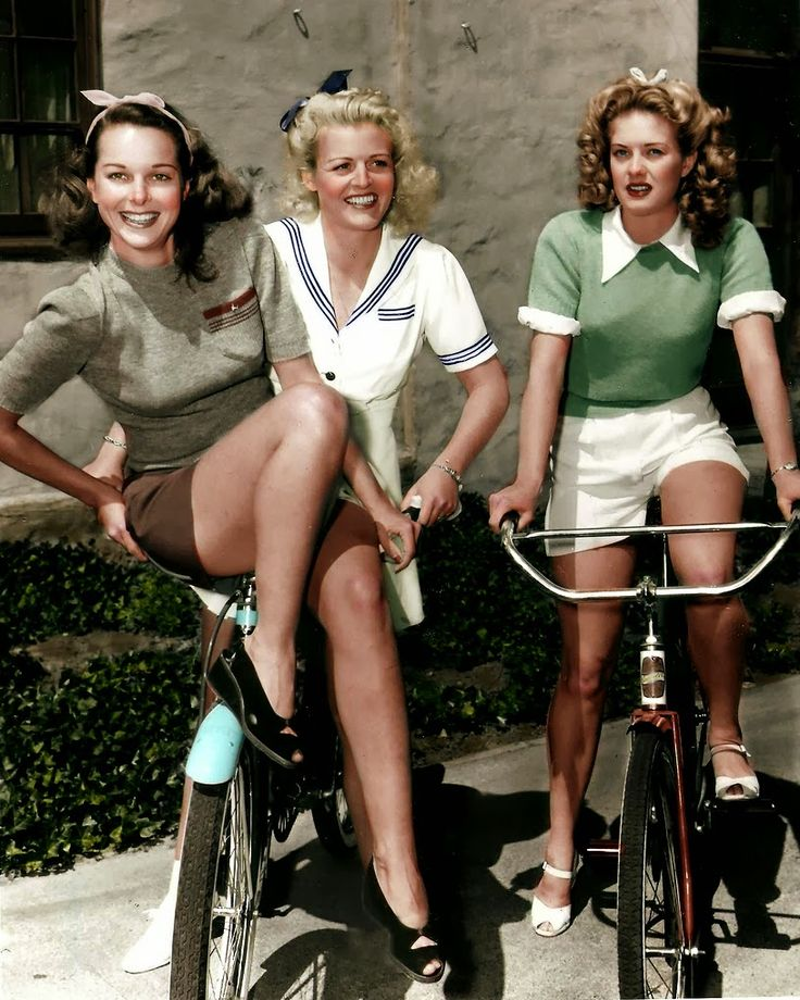 Vintage cyclists, colorized by Wayne Degan