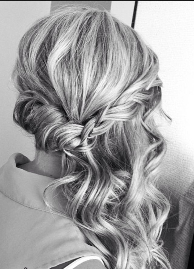 Wedding Hairstyles That Are Half-Up But Fully Beautiful