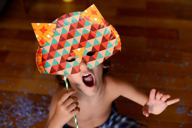 Máscara de leão de partinho de papel * Lion mask using party supplies