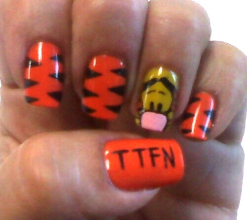 16 best images about I ♡ Tigger!! :)) on Pinterest   Nail ...