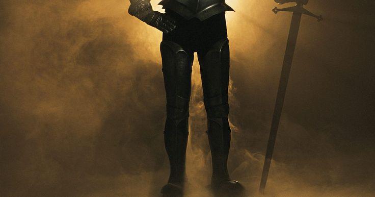 Información para niños sobre los caballeros medievales. En la época medieval, también llamada la Edad Media, los caballeros de Europa eran considerados entre los soldados de élite en el ejército real de la tierra que defendieron. Hombres nobles formados por más de 10 años antes de convertirse en caballeros y muchos murieron en el campo de batalla antes de cumplir los 40 años de edad. Los caballeros son ...