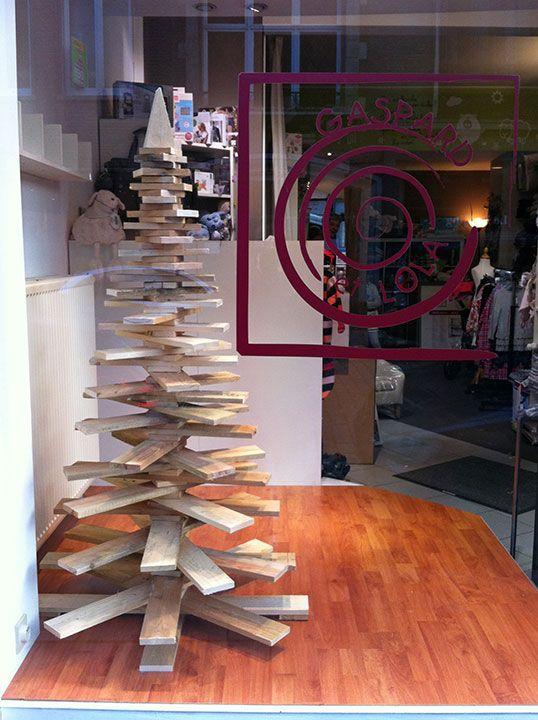 Un sapin de no l en bois de palette pallet christmas for Decoration sapin de noel exterieur