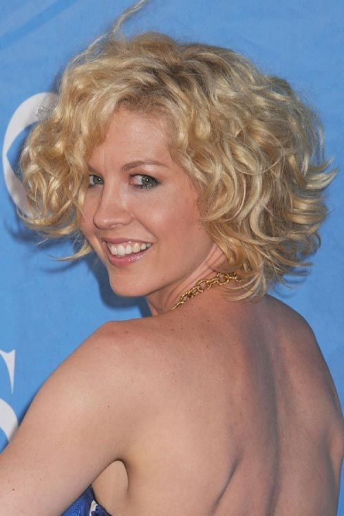 How To Get Your Hair Naturally Curly Again