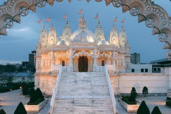 BAPS Shri Swaminarayan Mandir – London, United Kingdom - Amazing Temples around the World - A&D Blog