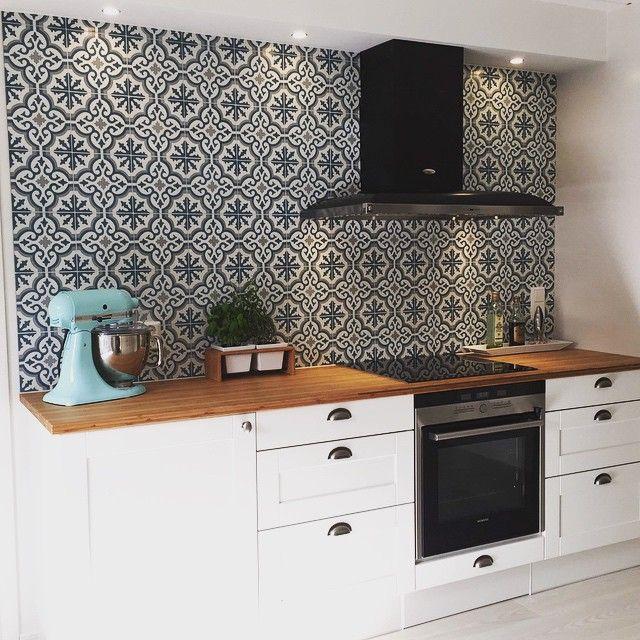 Voltaire - monsun Picture from a client ☺️ #MarrakechDesign #kakel #klinker #fliser #tiles #flooring #cementtiles #betongplattor #monsun #voltaire #kök #kitchen #badrum #bathroom #hall #hallway #marockanskt #marockansktgolv #maroccan #interior #interiordesign #inspiration #design