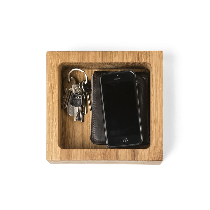 Box U Keys - simple, natural and beautiful. Keep in track with your special belongings. Design by Kaspar Hamacher. Available at 59 euro.