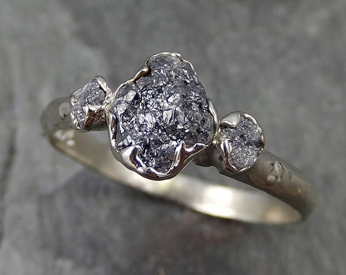 Blanco bruto diamante anillo de compromiso cruda 14k oro negro tres piedra del conjunto diamante boda anillo de bodas anillo del diamante áspero byAngeline 0484