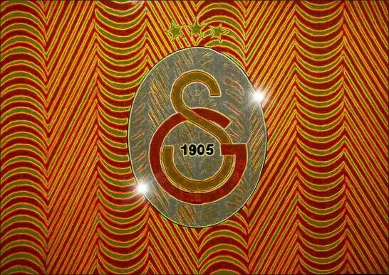 Galatasaray logo efecto digital by carlossimio.deviantart.com on @DeviantArt